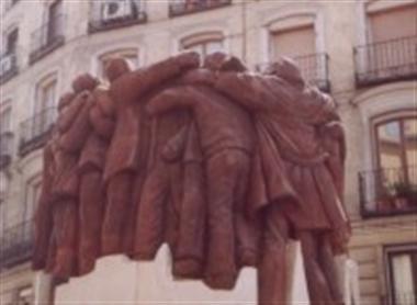 Escultura de Juan Genovés